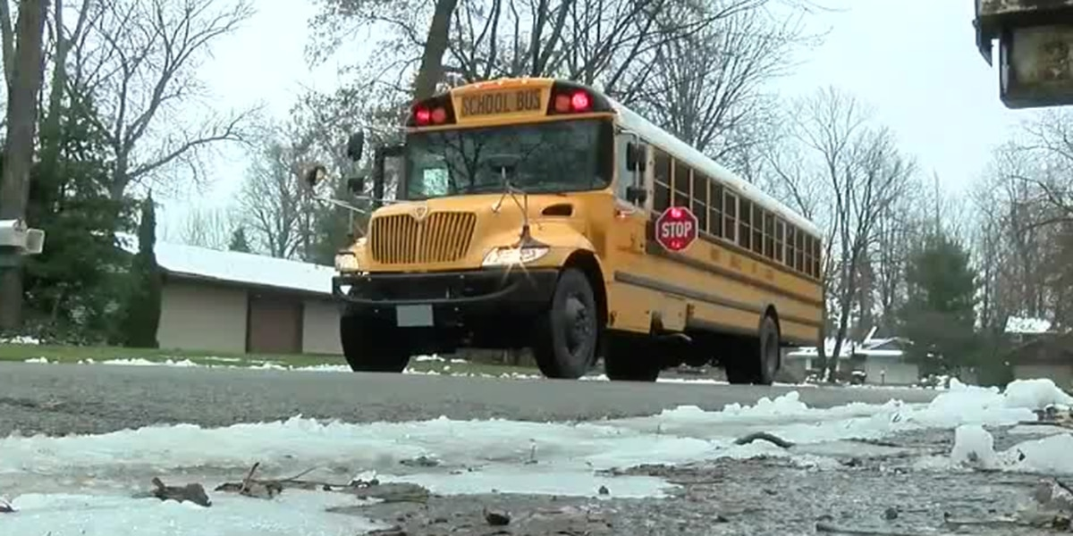 When you should and shouldn't stop for school buses in Ohio (video)