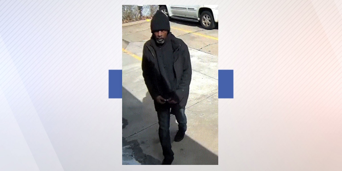 Cleveland Police looking for man accused of stealing purse from 86-year-old woman