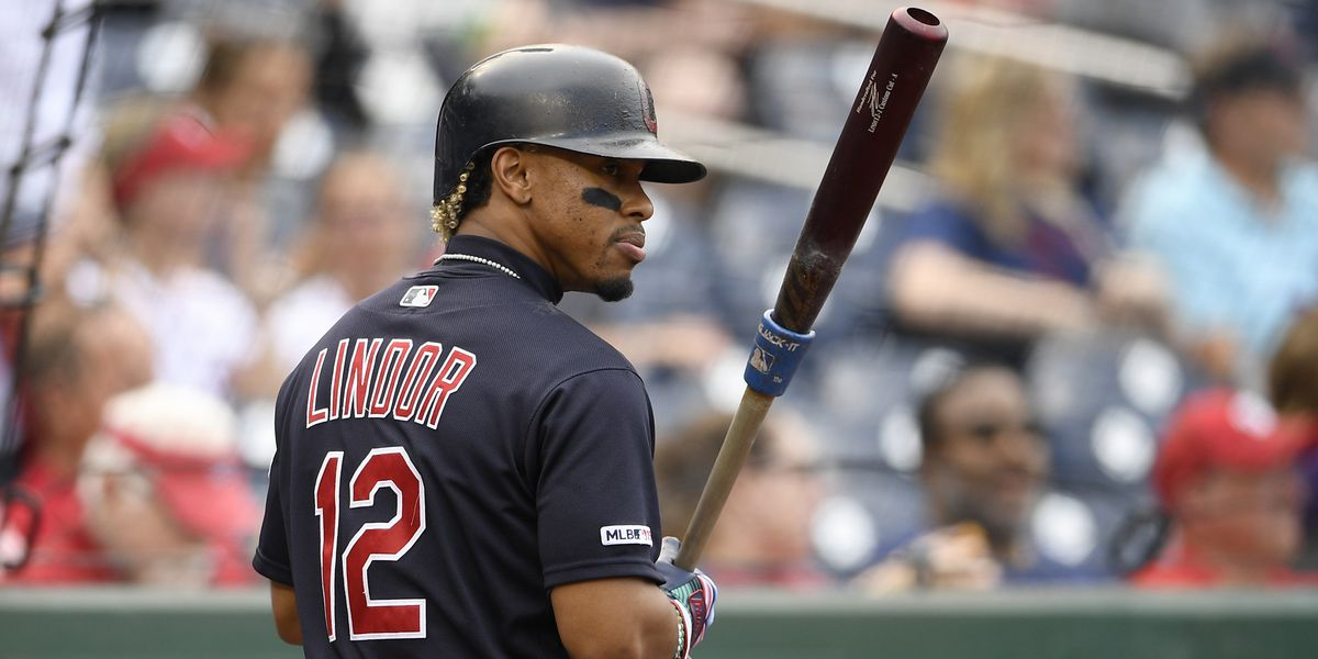 Report: Indians prefer to not trade Francisco Lindor, and to wait a year on a move