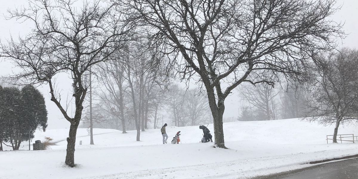 Players brave the snow for final round of golf in 2019 at Parma course