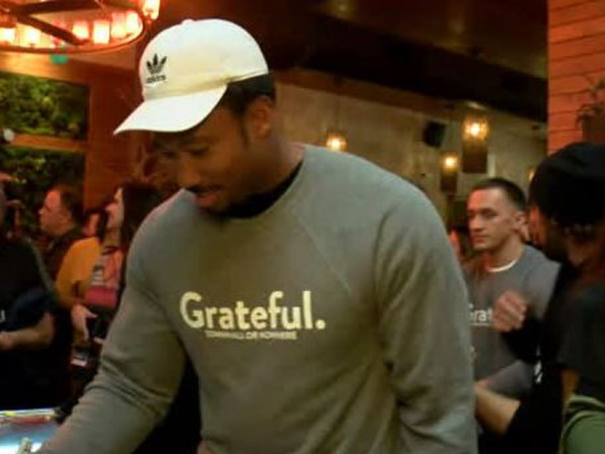 Myles Garrett, Baker Mayfield among Cleveland Browns players to dish out meals to those in need