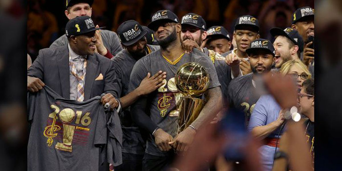 PHOTO: Cavs preview new championship banner