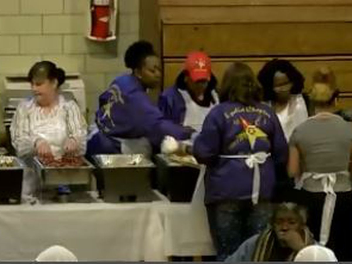 Thousands of Northeast Ohioans treated to Easter meal and good company
