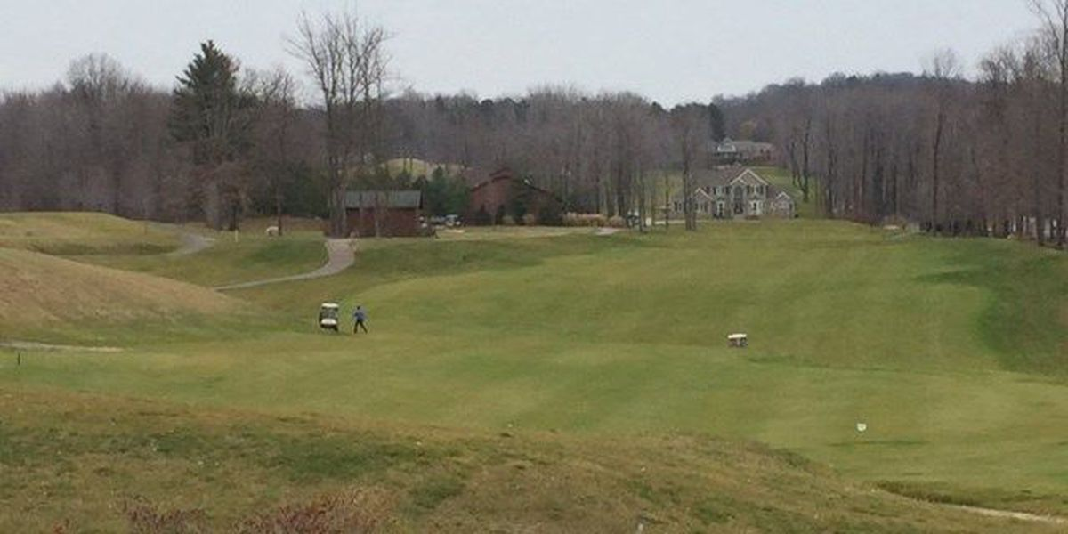 Golf courses cash in on summer-like temps