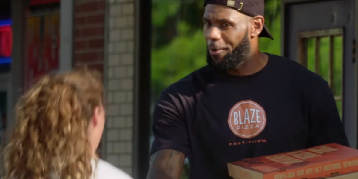 LeBron James surprises unsuspecting people with Blaze Pizza in Akron (video)
