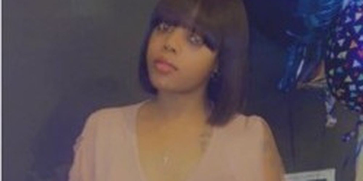 24-year-old Cleveland woman shot and killed in her own living room