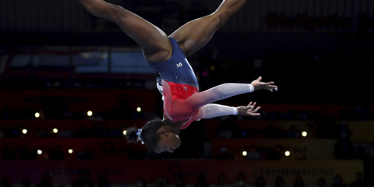 Simone Biles sets record as US wins world gymnastics team gold