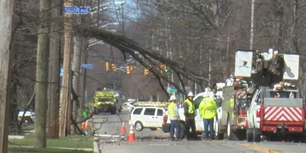 10K still without power 2 days after wicked winds