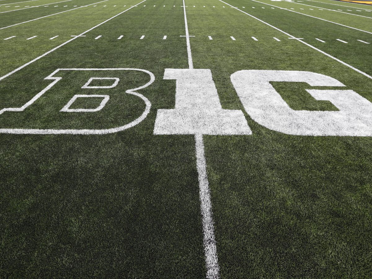 Big Ten votes to move forward with a fall football season