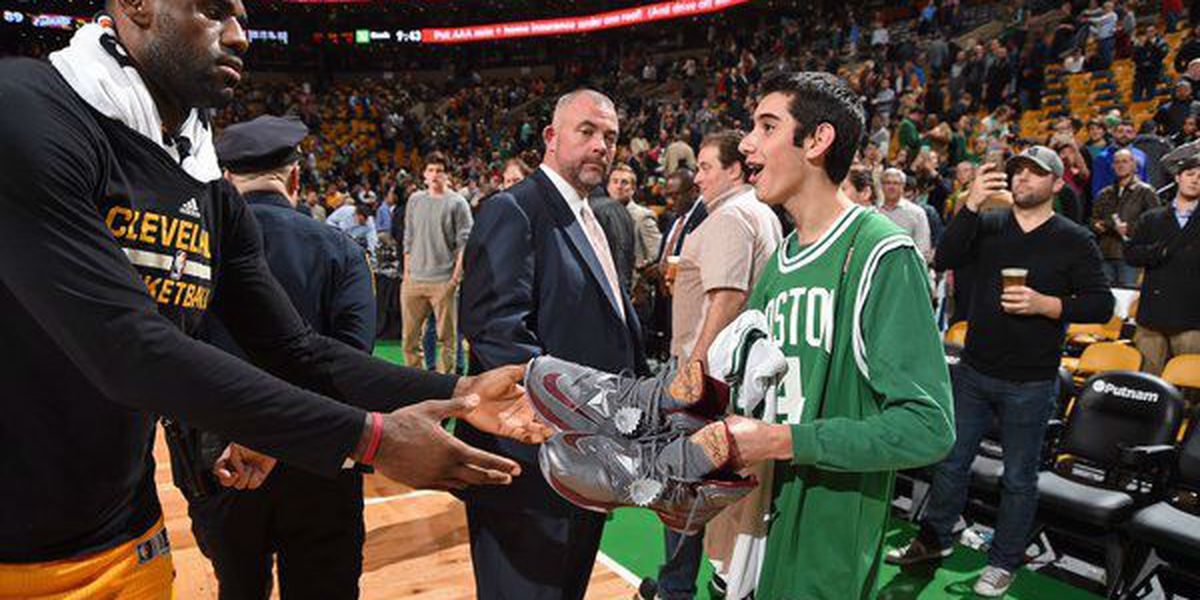 LeBron pays tribute to Special Olympian during Celtics game