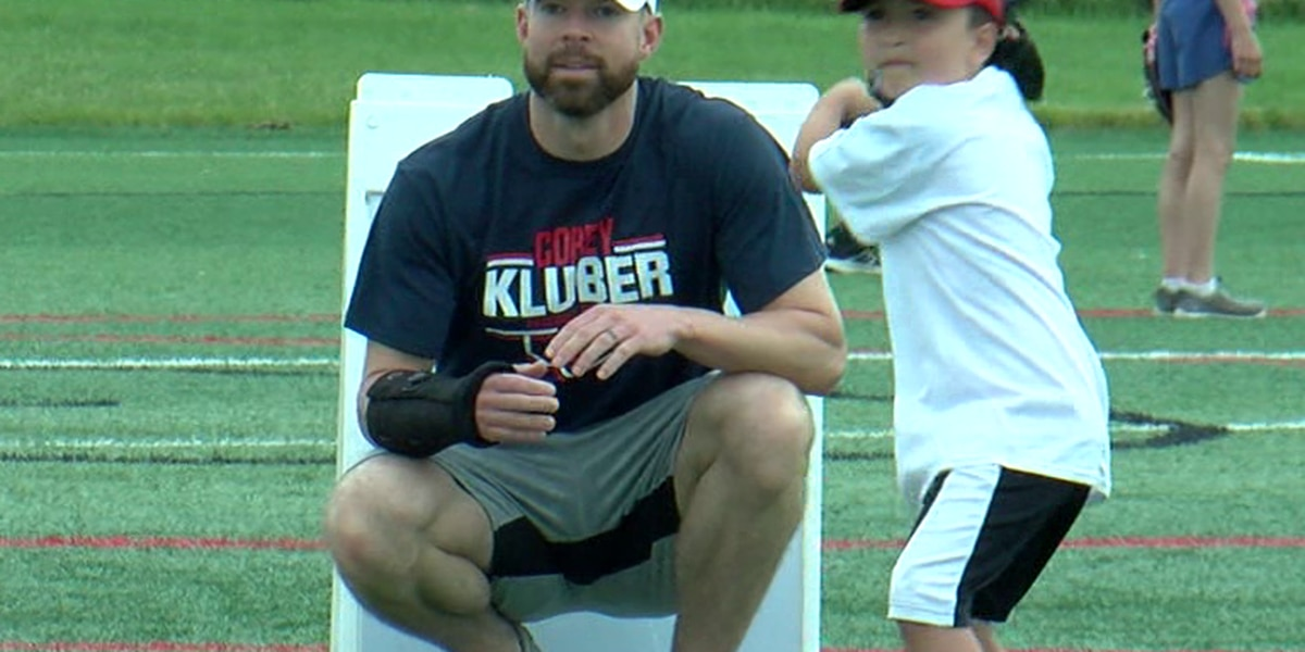 Kluber's holds court, camp, in Mentor