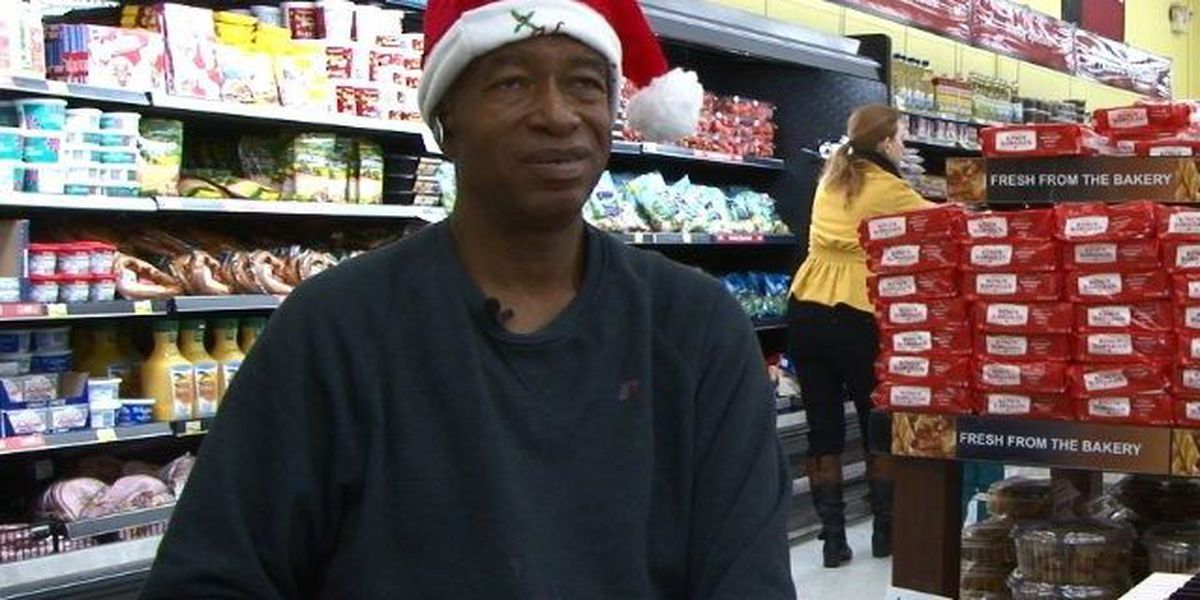 Developmentally disabled employee puts Marc's shoppers in holiday spirit