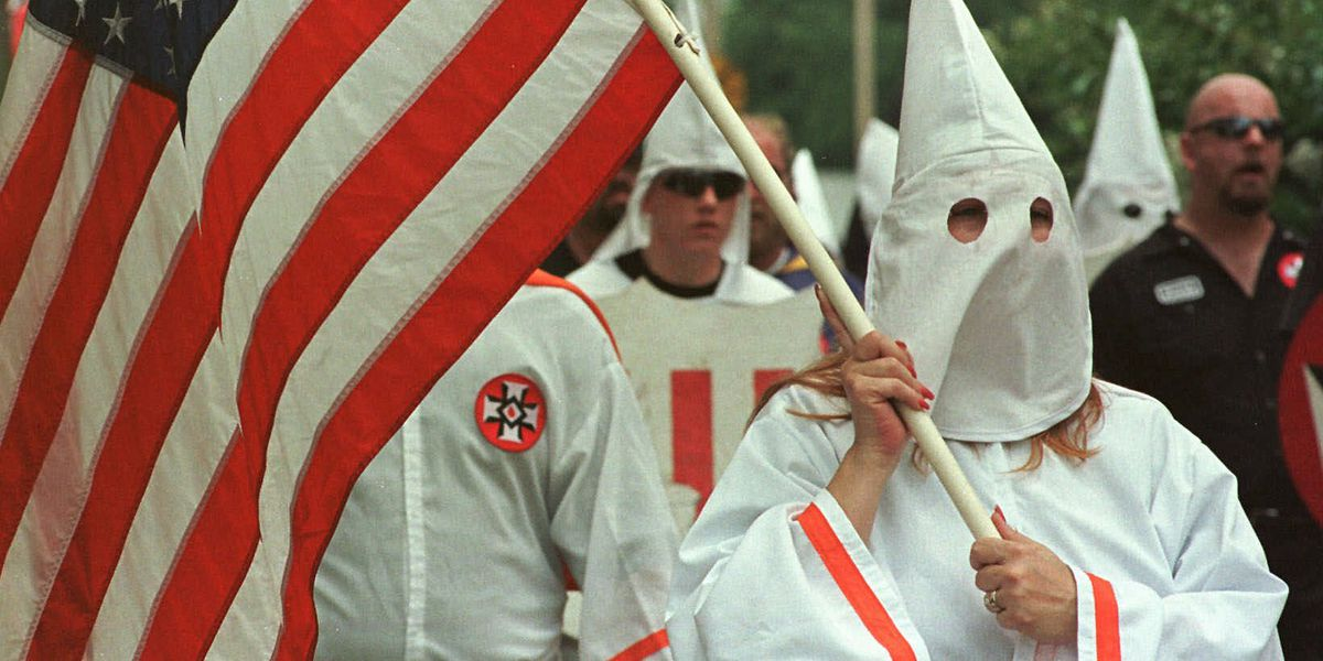 Fearing a riot, 350 policemen stand guard at Ohio KKK rally—costing taxpayers $650,000