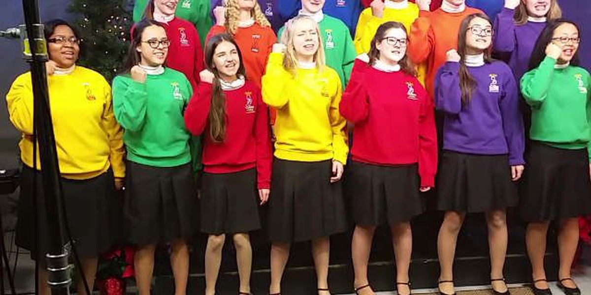 The Singing Angels spread holiday cheer through song