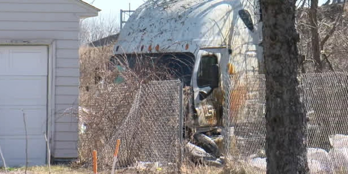 Truck plunges off Ohio Turnpike into backyard of Elyria home