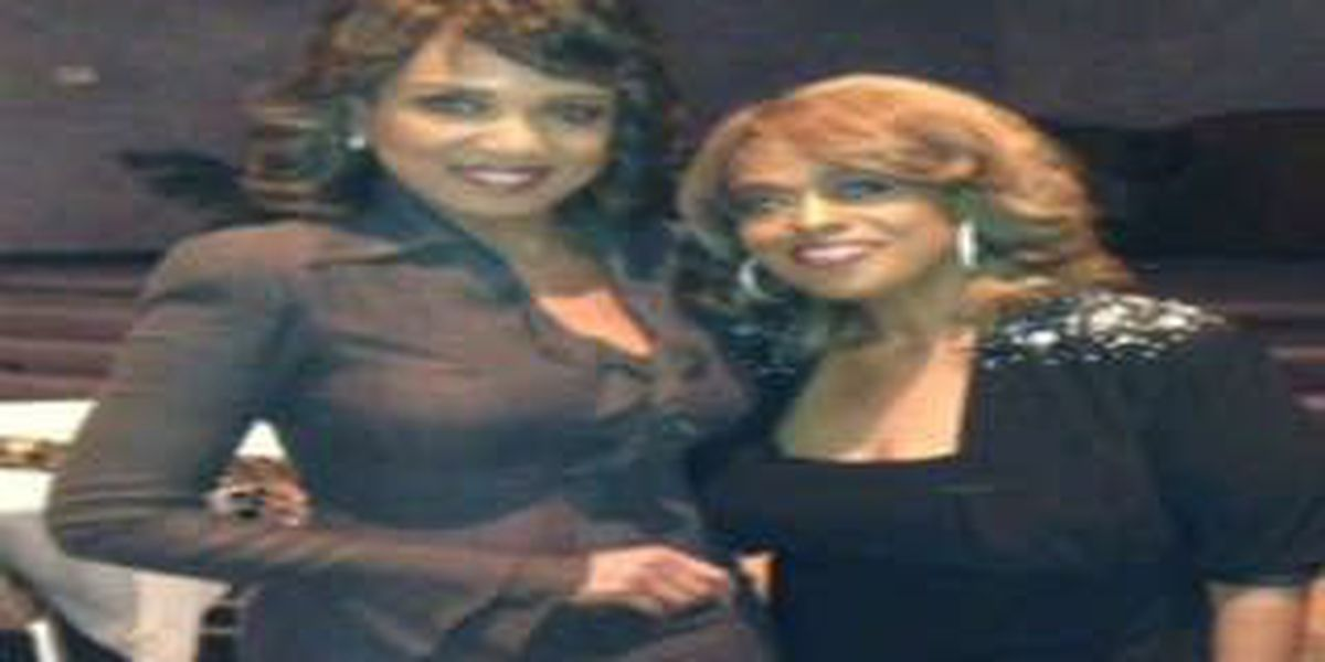Jennifer Holliday helps raise support for local youth center