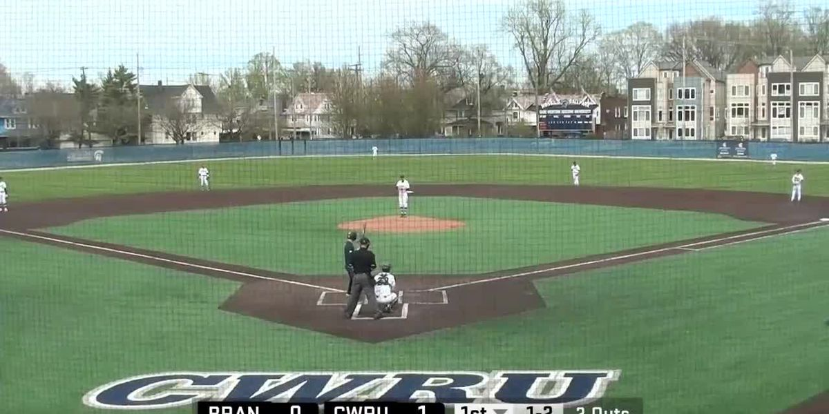 3 deer become walk-on outfielders by crashing Case Western Reserve University baseball game