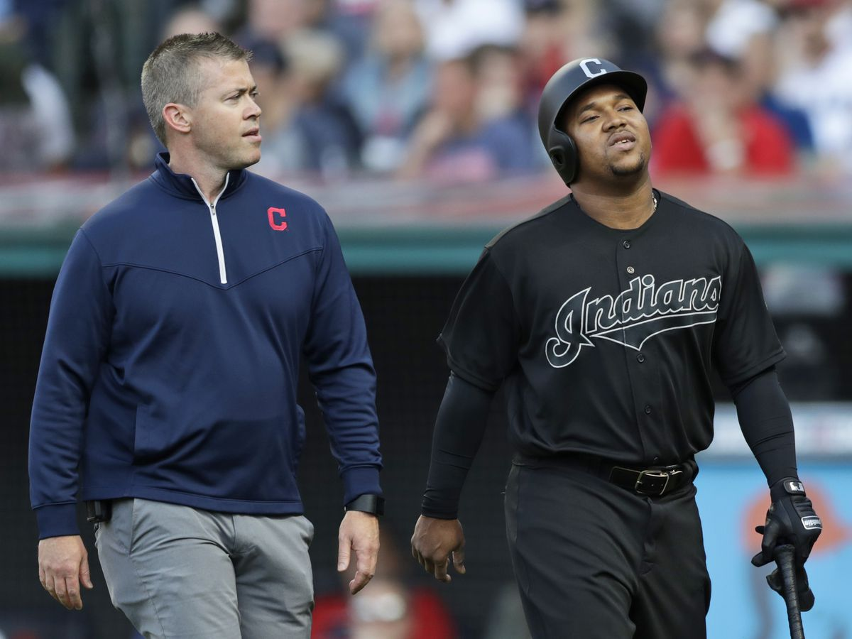 Indians Jose Ramirez leaves game with right wrist injury