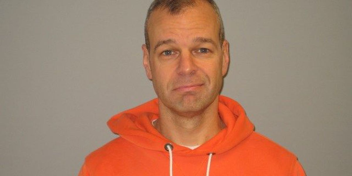Police: Hudson man investigated after exposing himself to newspaper deliverywoman