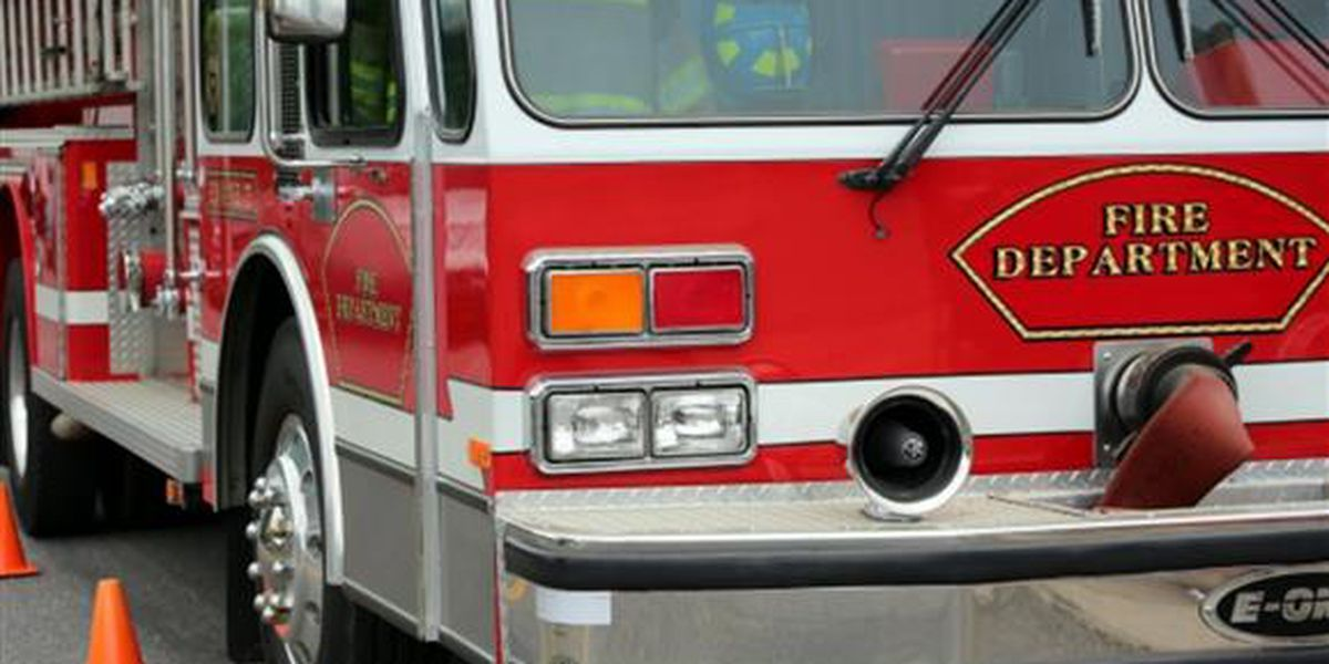 5 children, 2 adults displaced after Akron fire