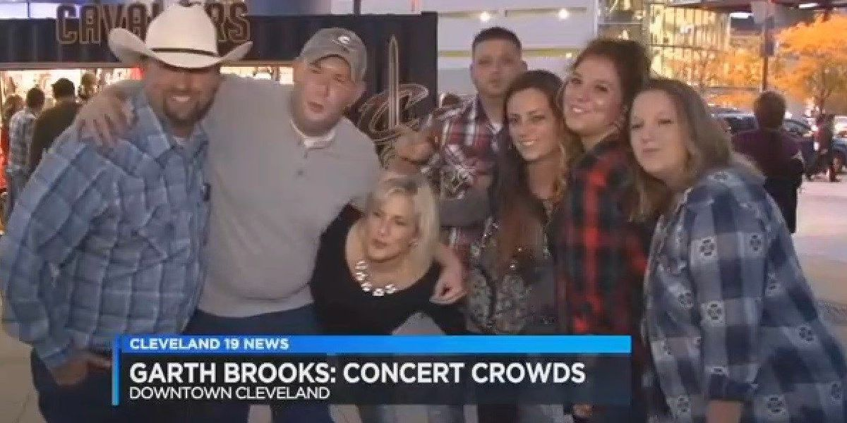 Garth Brooks fans flock downtown Cleveland for the first time in almost 20 years