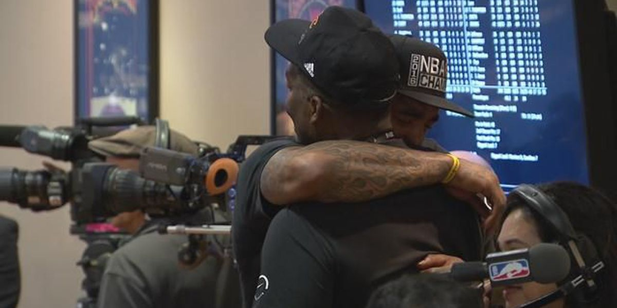 VIDEO: 'Everything I do is for my parents', said an overwhelmed J.R. Smith