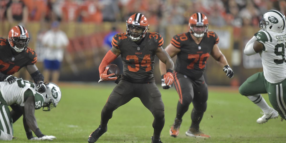 Carlos Hyde welcomes baby boy after Browns win