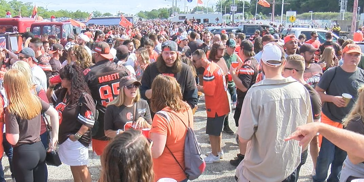 Cleveland Browns fans are not havin' it with this Muni Lot news (Well, a few think it's OK)