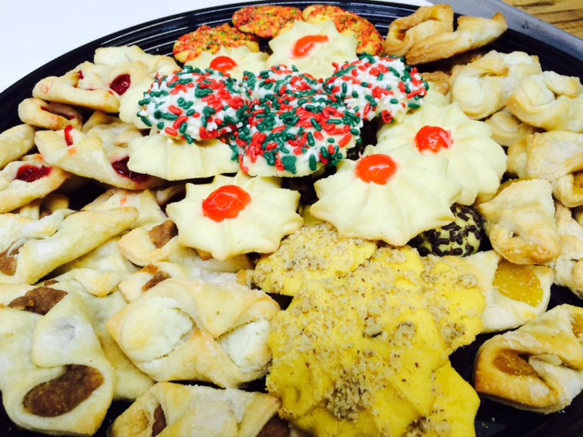 "What is your favorite Christmas cookie? Help the Taste Buds complete ""Sweet 16"" cookie tournament"