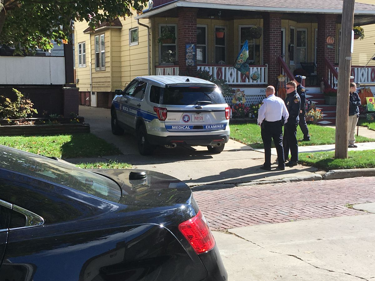 Homicide detectives respond after 2 people found dead on Cleveland's West side