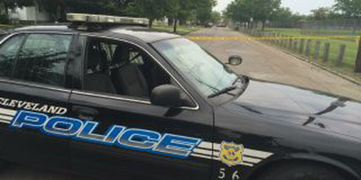 Cleveland Police investigate East Side shooting