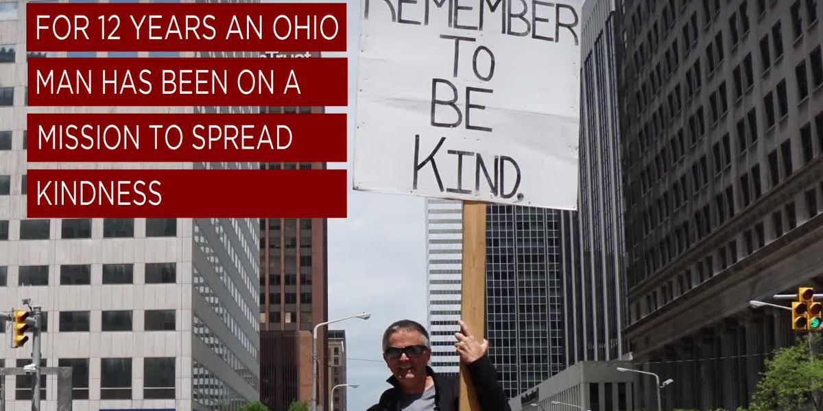 One man's mission to share kindness is on its 12th year
