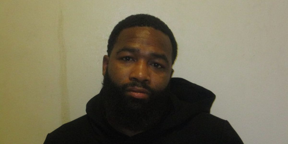 Professional boxer pleads guilty in connection with assault at Cleveland downtown bar