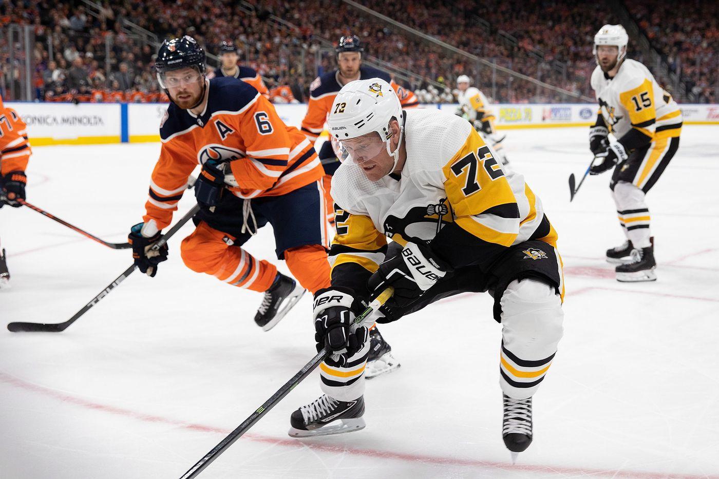 Edmonton Oilers  Adam Larsson (6) defends against Pittsburgh Penguins   Patric Hornqvist ( a55055ae8