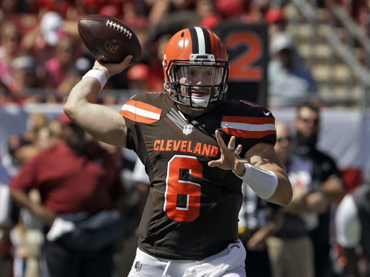 Cleveland Browns strike first with safety, Bucs hit back (video)