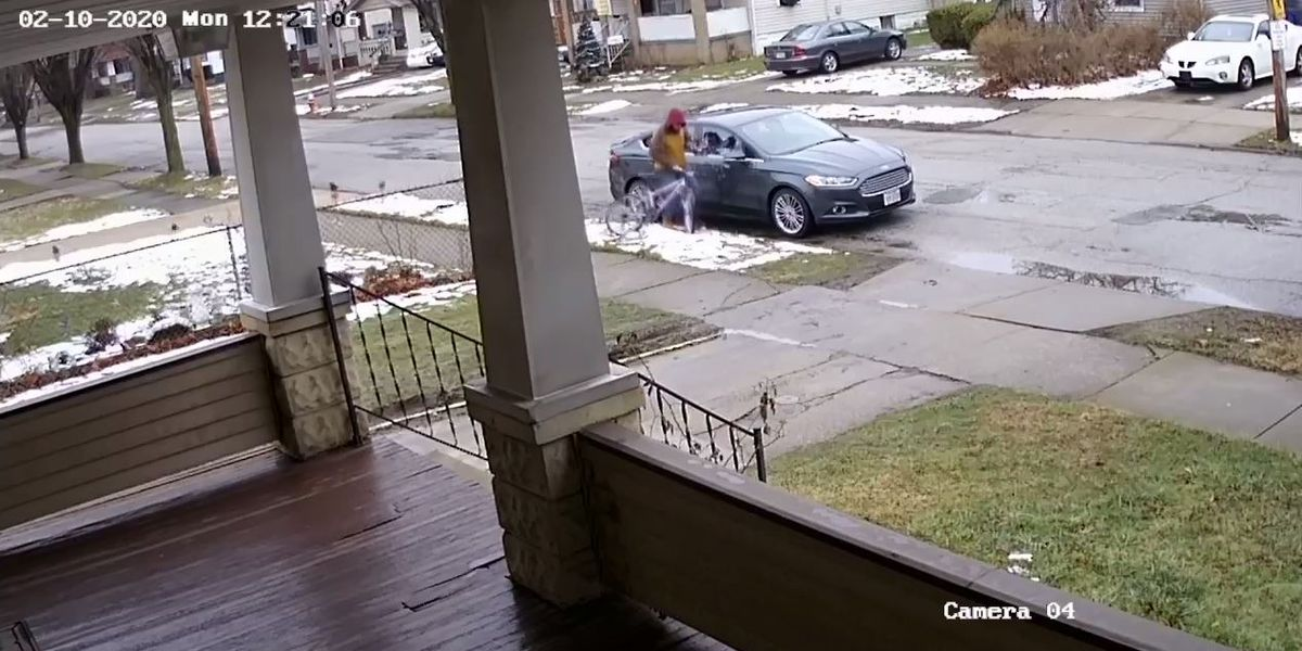 Car break-in caught on camera on Cleveland's West Side