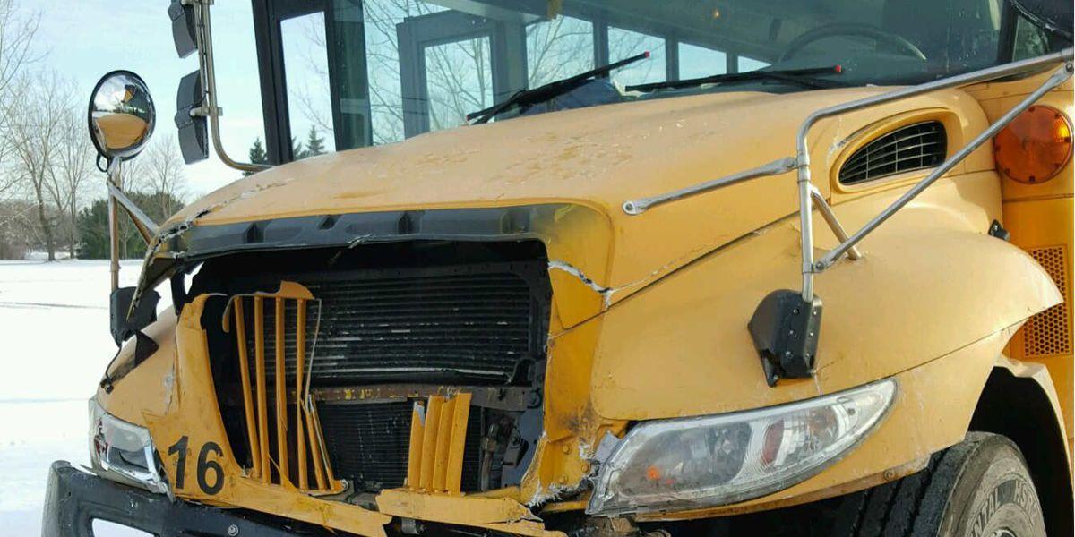 3 school buses crash in Streetsboro, several students injured