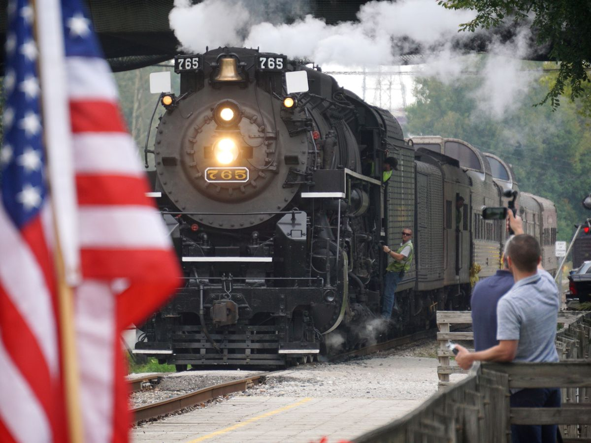 Cuyahoga Valley Scenic Railroad takes possession of 'California Zephyr' rail cars
