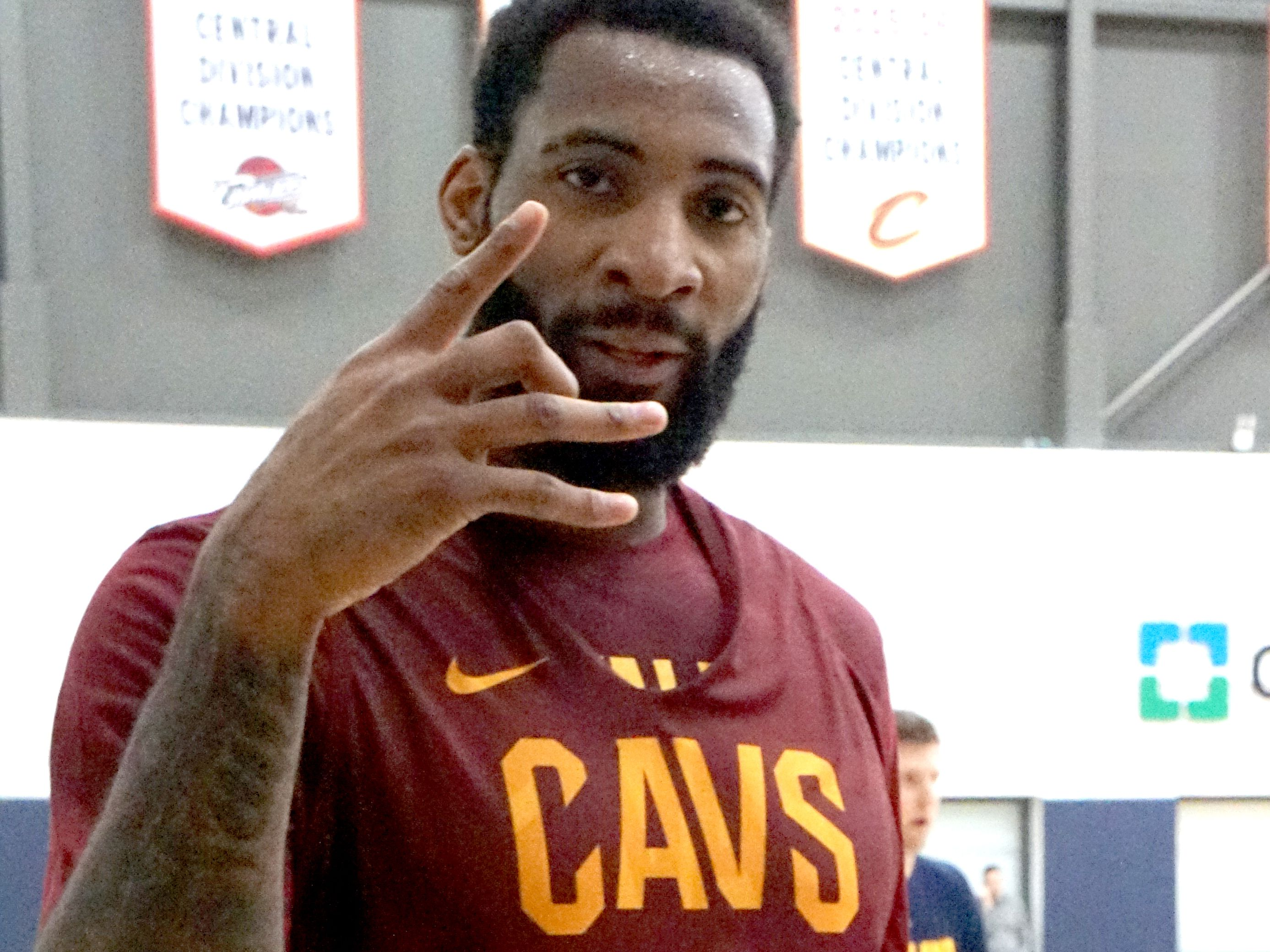 Drummond staying with Cavs