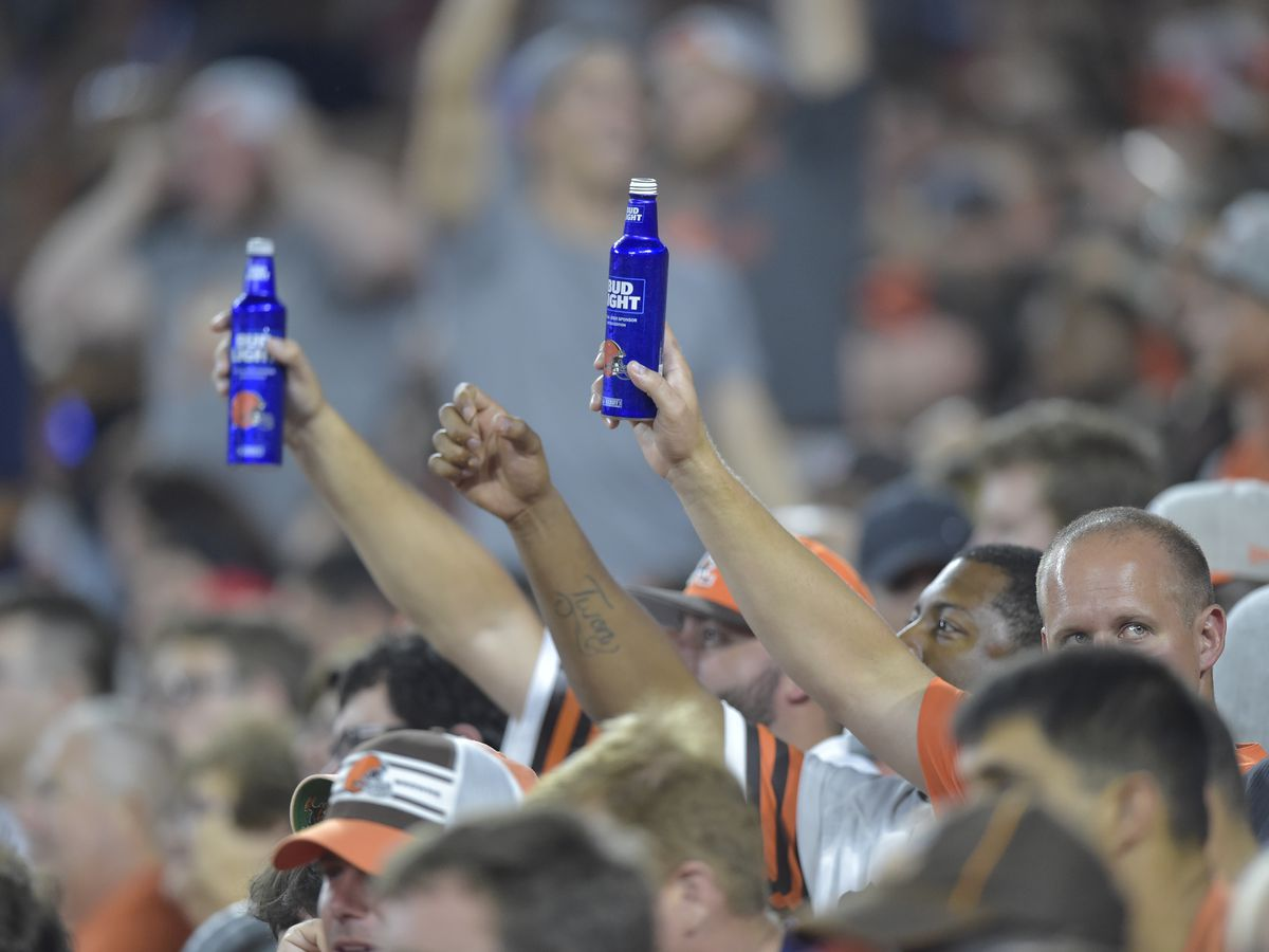 Fan sues Cleveland Browns for defamation over beer shower incident