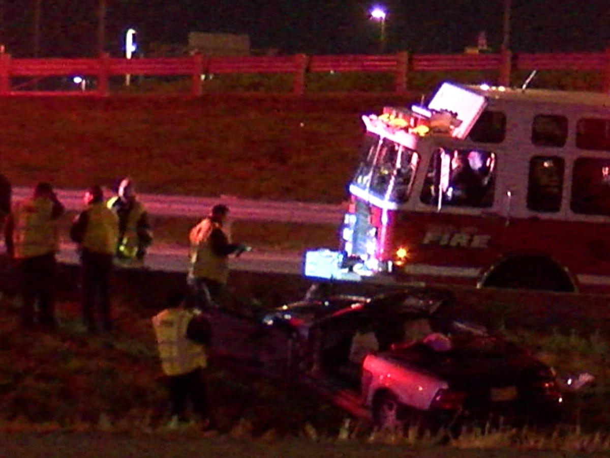 2 people transported to hospital after rollover crash at Interstate 77/90 split in Cleveland