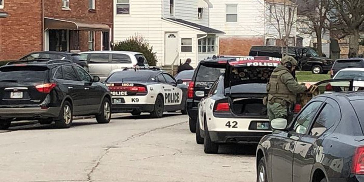 Euclid standoff ends after suspect shoots himself, U.S. Marshals say