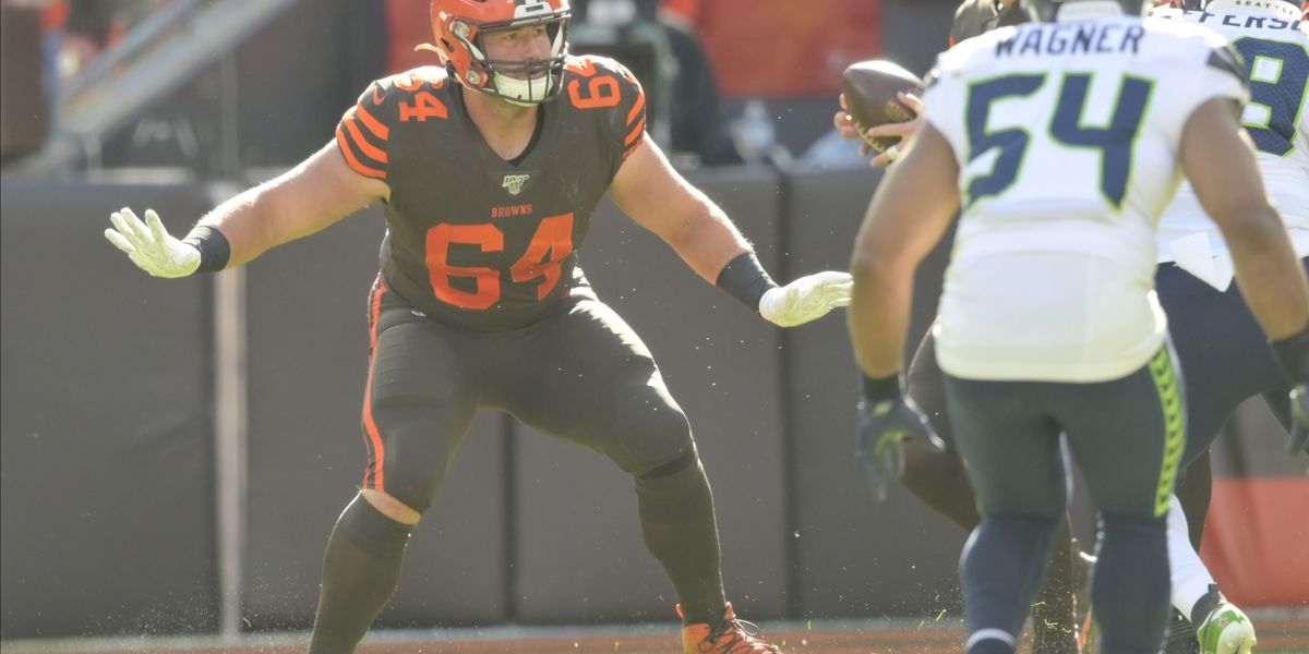 Browns sign Tretter to three-year contract extension