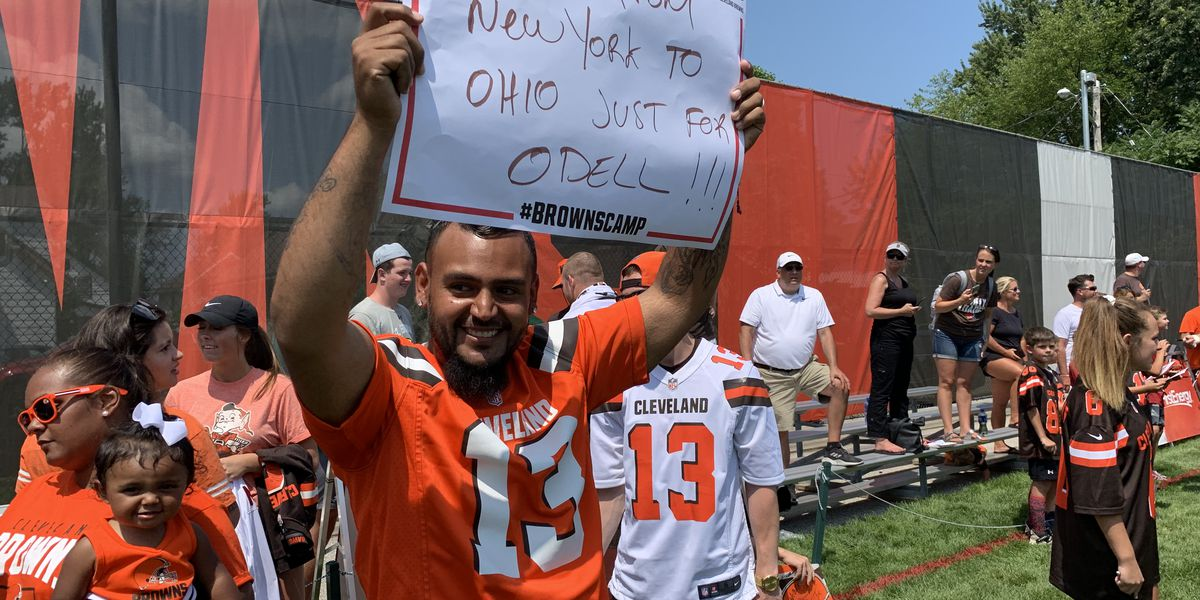 Cleveland Browns fan moves family from New York to Ohio, 'Just for Odell'