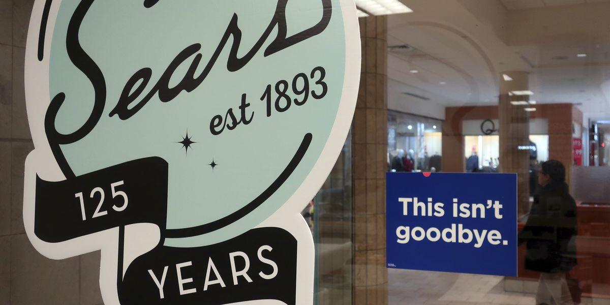Lampert's hedge fund makes last-minute bid to save Sears