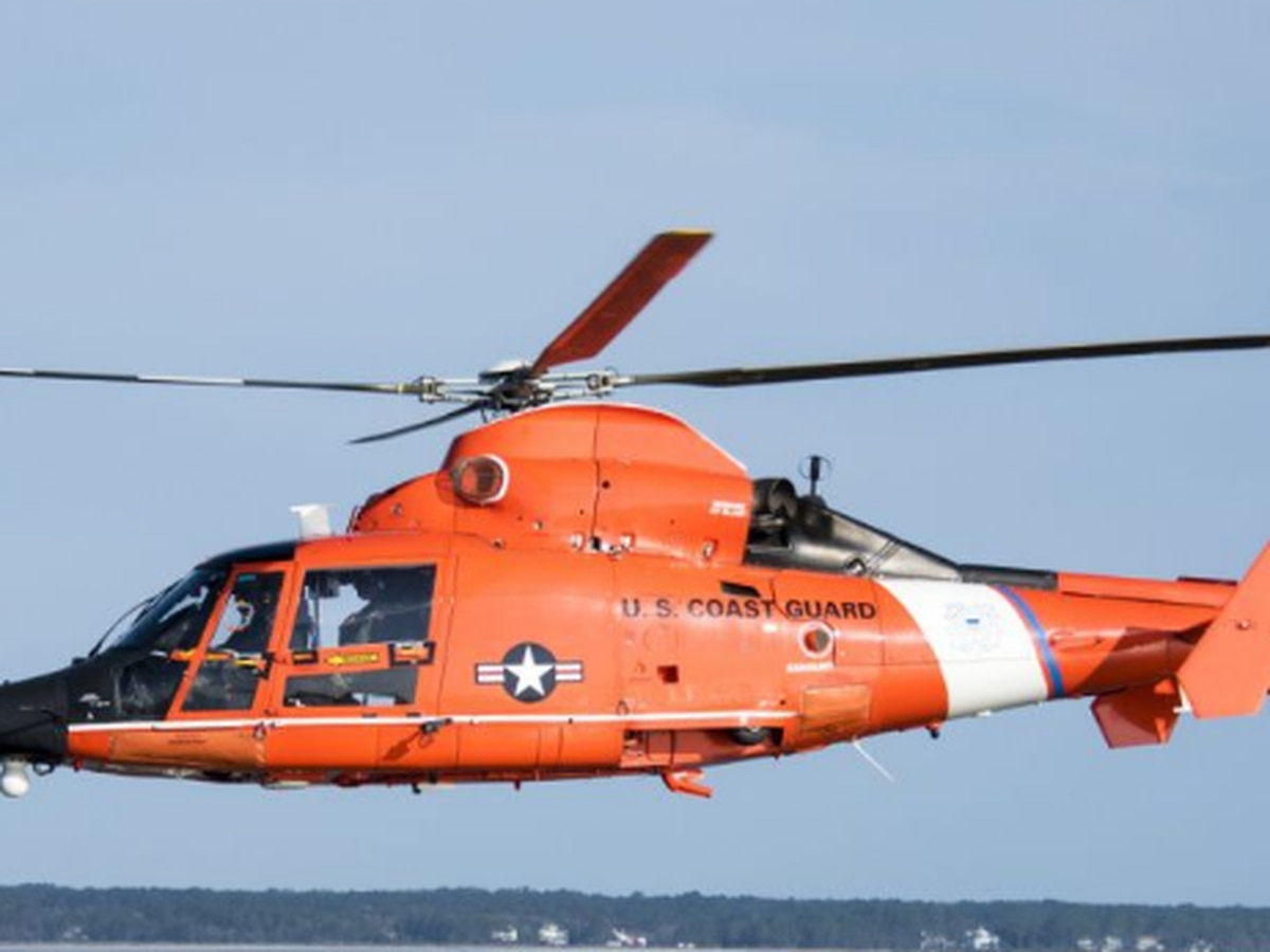 3 men rescued after boat capsizes near Conneaut, 1 still missing