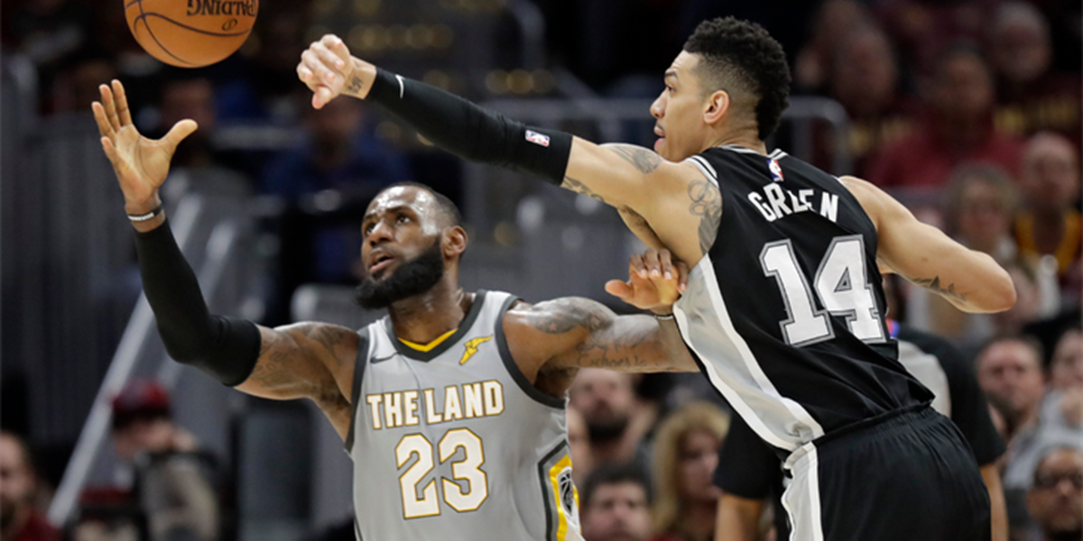 San Antonio goes on 16-0 run, Spurs defeat Cavs 110-94