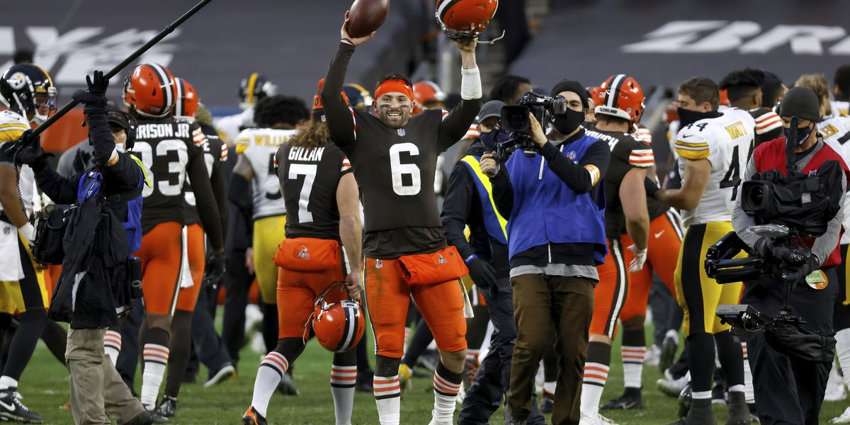 Cleveland Browns advance to playoffs for first time in 18 years after defeating the Pittsburgh Steelers 24-22