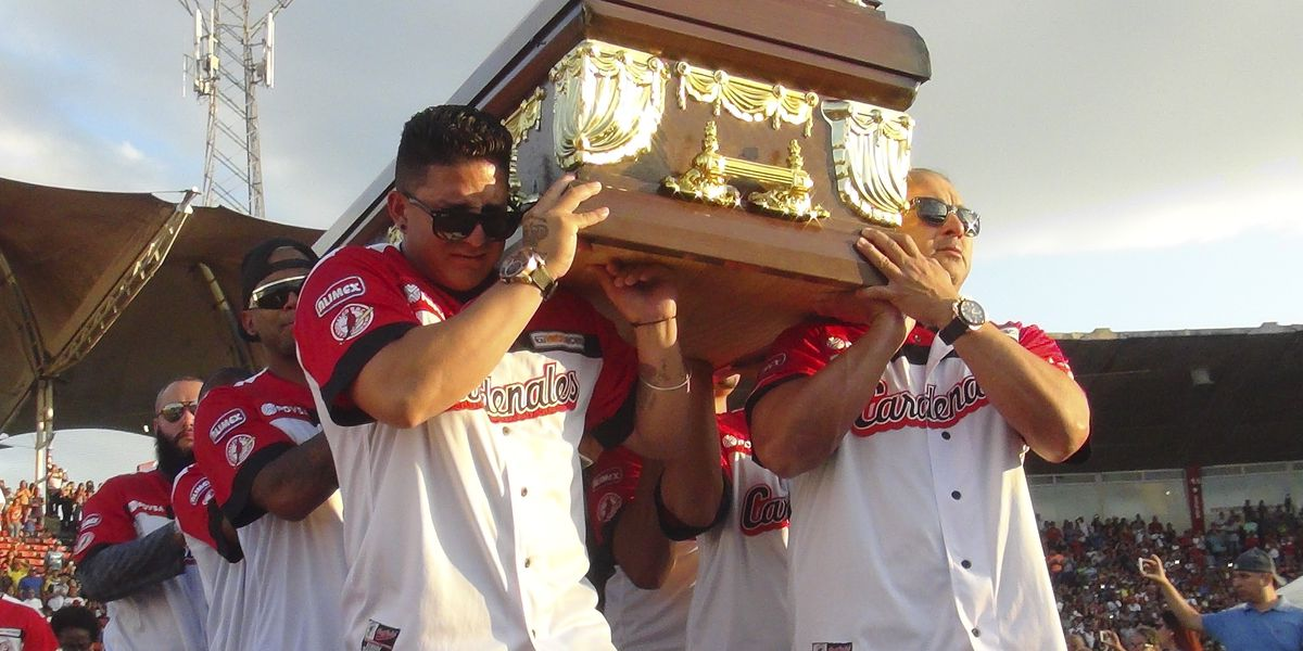 Ex-major leaguers Valbuena, Castillo die in Venezuela crash