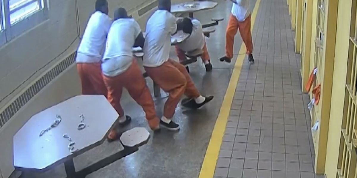 GRAPHIC VIDEO: Lucasville, OH inmates repeatedly stabbed in